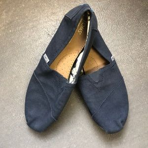 Toms Navy Canvas Classics Shoes Sz. 8.5